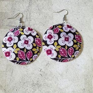Painted flowers shell earrings